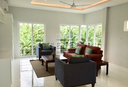 For Sale or Rent 4 Beds Townhouse in Huai Khwang, Bangkok, Thailand