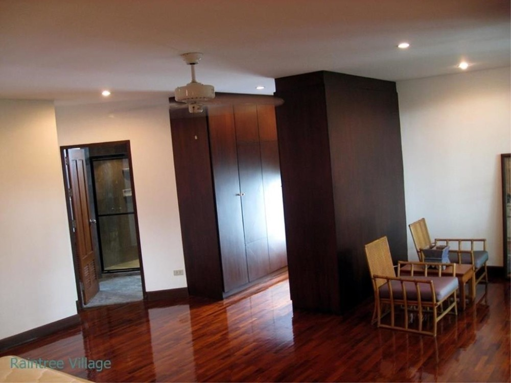 Raintree Village Apartment - For Rent 3 Beds Condo Near BTS Phrom Phong, Bangkok, Thailand | Ref. TH-YERECQNJ