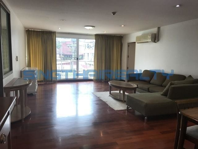 Urbana Sukhumvit 15 - For Sale 2 Beds Condo in Watthana, Bangkok, Thailand | Ref. TH-DLYTFAPQ