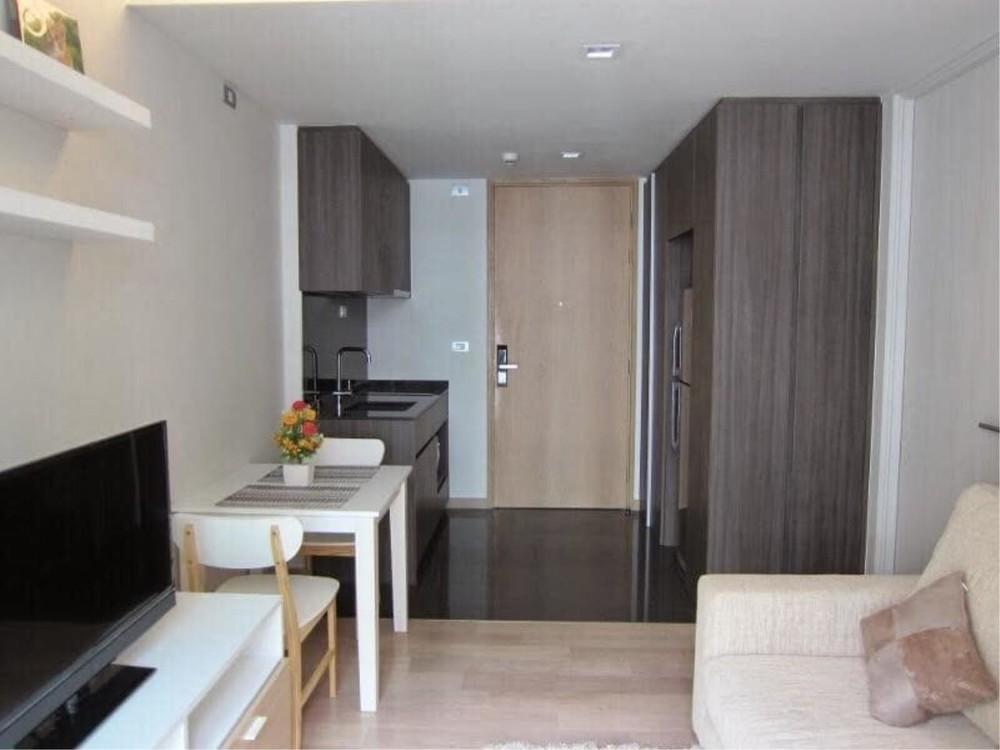 Via 49 - For Sale or Rent 1 Bed Condo in Watthana, Bangkok, Thailand | Ref. TH-SXMZFRHY