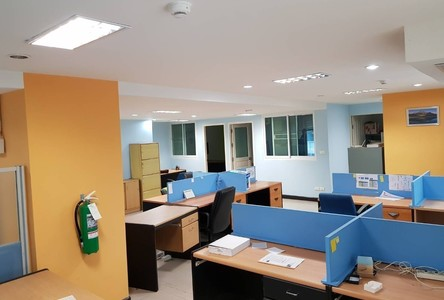 For Sale or Rent Business 212 sqm in Watthana, Bangkok, Thailand