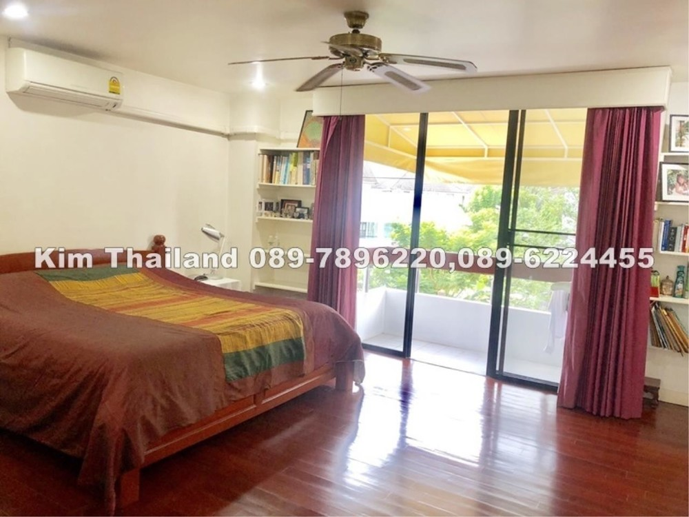 For Sale 4 Beds Townhouse in Khlong Toei, Bangkok, Thailand | Ref. TH-OLYCIOKC