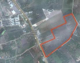 ตั้งอยู่บริเวณพื้นที่เดียวกัน - ท่าใหม่ จันทบุรี