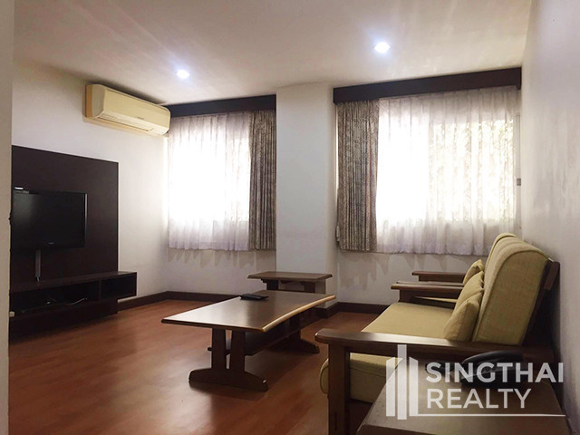 J Visut Place - For Rent 2 Beds Condo Near BTS Phrom Phong, Bangkok, Thailand | Ref. TH-VDHWCQDL