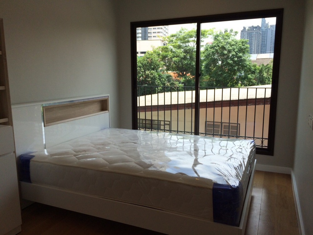 Condolette Dwell Sukhumvit 26 - Продажа или аренда: Кондо c 1 спальней возле станции BTS Phrom Phong, Bangkok, Таиланд | Ref. TH-EPBTANXG