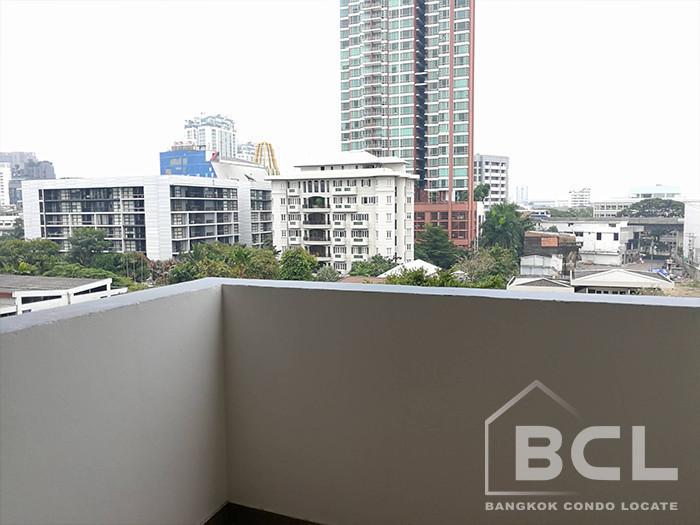 Shanti Sadan - В аренду: Кондо с 3 спальнями возле станции BTS Thong Lo, Bangkok, Таиланд   Ref. TH-QGMPQDSB
