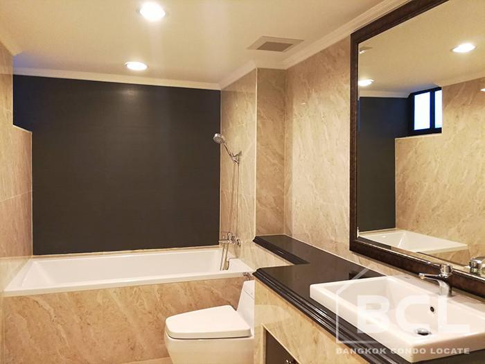 Shanti Sadan - В аренду: Кондо с 3 спальнями возле станции BTS Thong Lo, Bangkok, Таиланд | Ref. TH-QGMPQDSB