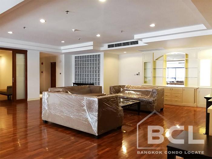 Shanti Sadan - В аренду: Кондо с 3 спальнями возле станции BTS Thong Lo, Bangkok, Таиланд   Ref. TH-EFUENXKP