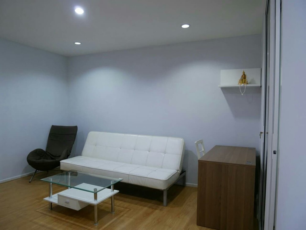 For Sale or Rent 1 Bed Condo in Mueang Nakhon Sawan, Nakhon Sawan, Thailand   Ref. TH-VGRMBSST