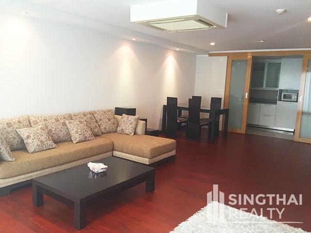 Urbana Sukhumvit 15 - For Sale 2 Beds Condo in Watthana, Bangkok, Thailand | Ref. TH-TEVAXNGO