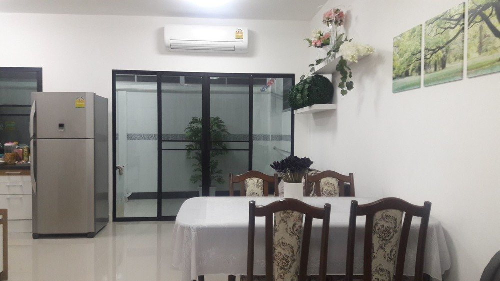 For Sale 3 Beds Townhouse in Don Mueang, Bangkok, Thailand | Ref. TH-JPNFAZZO