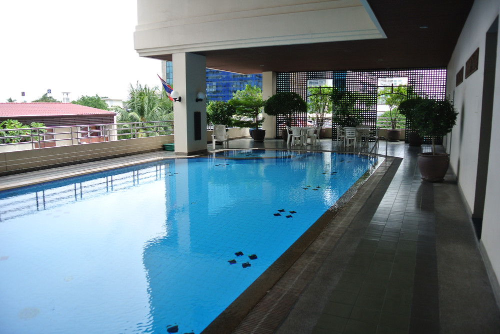 Sampoom Garden - For Rent 2 Beds Condo Near BTS Surasak, Bangkok, Thailand | Ref. TH-ELAPIFXZ