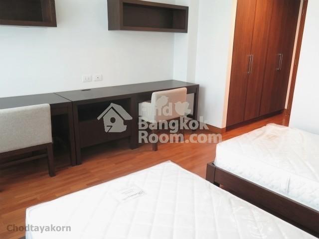 Chodtayakorn - В аренду: Кондо с 4 спальнями возле станции BTS Asok, Bangkok, Таиланд | Ref. TH-PFUULUHW