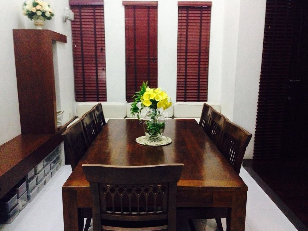 For Sale 4 Beds Townhouse in Khlong Toei, Bangkok, Thailand | Ref. TH-IKLRBHWY