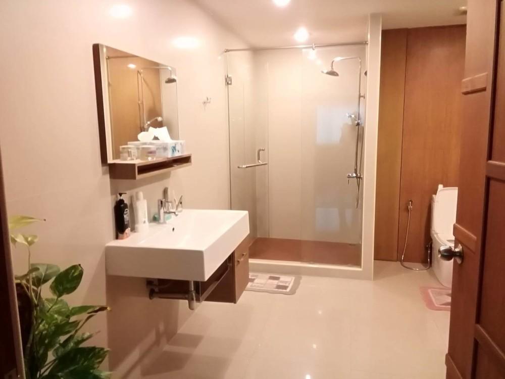 For Sale or Rent Office 877.98 sqm in Watthana, Bangkok, Thailand | Ref. TH-WYGOHHNC