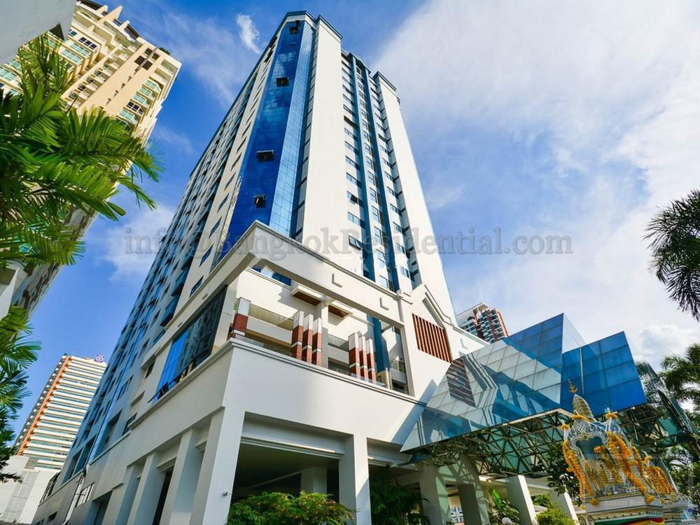В аренду: Кондо с 3 спальнями в районе Watthana, Bangkok, Таиланд | Ref. TH-YECZVKVP