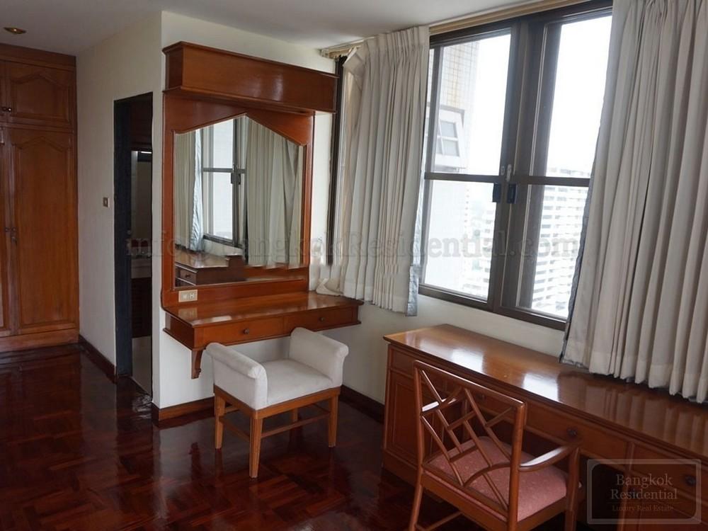 Sriratana Mansion 1 - В аренду: Кондо с 4 спальнями возле станции BTS Asok, Bangkok, Таиланд | Ref. TH-OYYEIFHJ