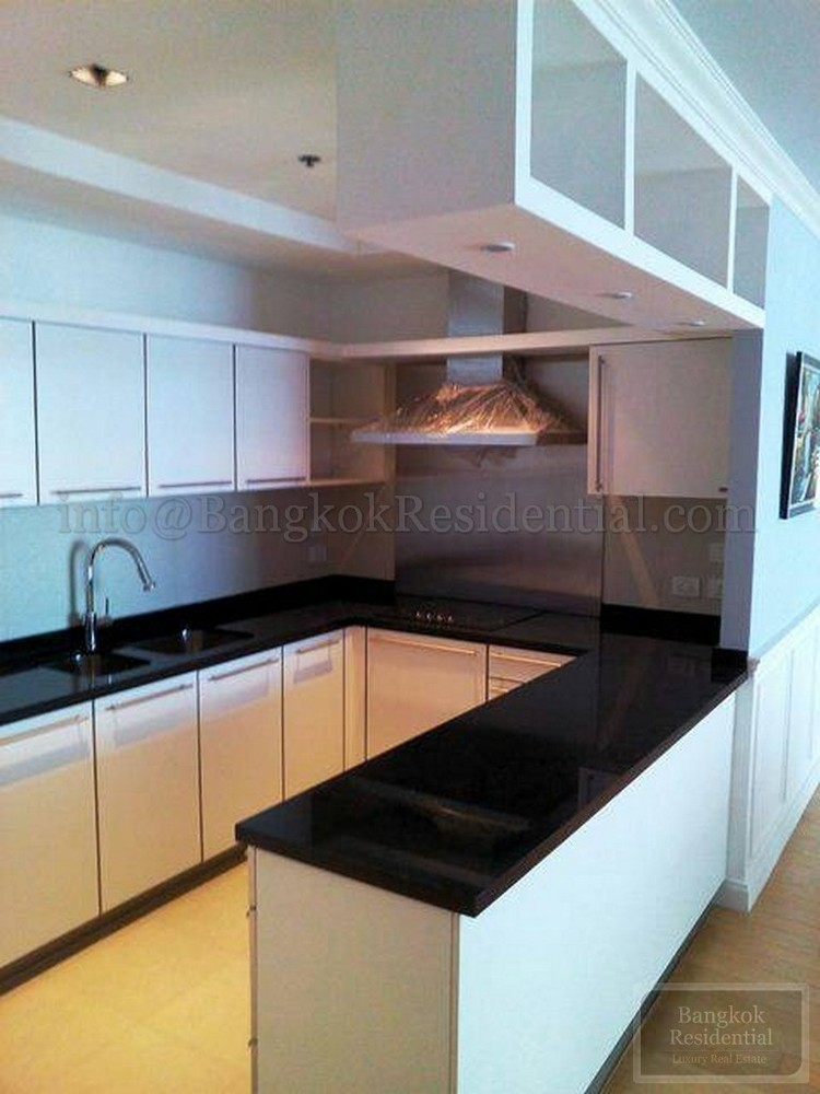 Athenee Residence - For Sale 6 Beds Condo Near BTS Phloen Chit, Bangkok, Thailand | Ref. TH-XNYWXRCY