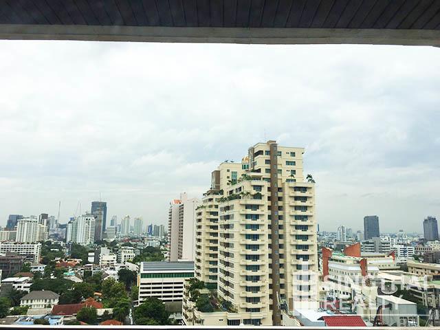 Richmond Palace - В аренду: Кондо с 2 спальнями в районе Watthana, Bangkok, Таиланд   Ref. TH-UVJVHLKX