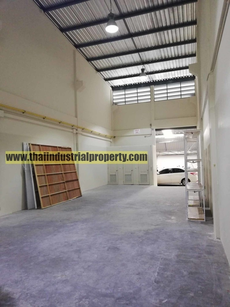 For Rent Warehouse 234 sqm in Phra Khanong, Bangkok, Thailand | Ref. TH-SQOJHVBR