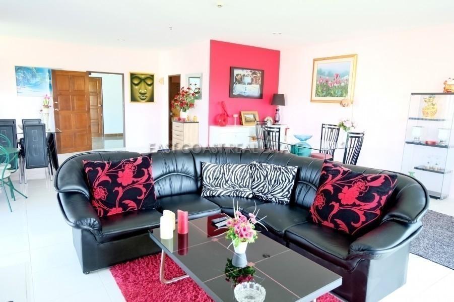 View Talay 5 - For Sale 1 Bed Condo in Bang Lamung, Chonburi, Thailand   Ref. TH-BGLUZRDM