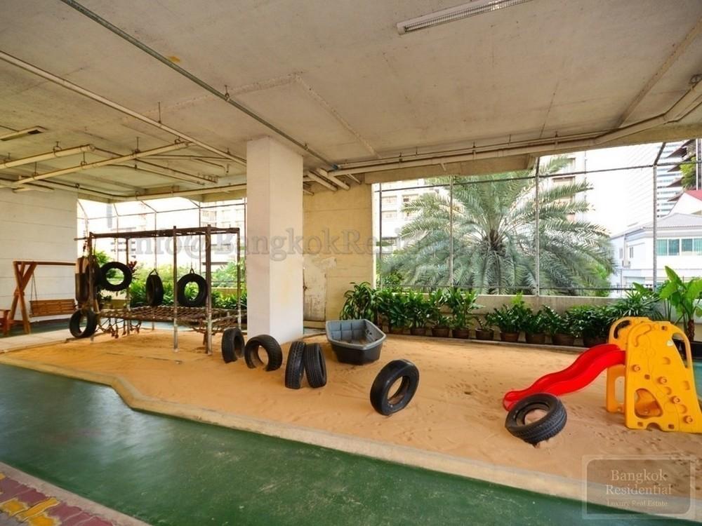 Belair Mansion - For Rent 3 Beds Condo Near MRT Sukhumvit, Bangkok, Thailand | Ref. TH-KRRGJZVM