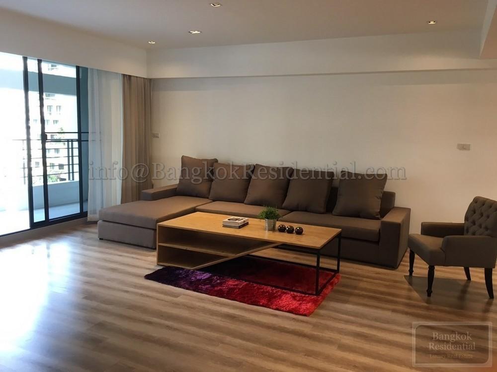 Villa Bajaj - For Rent 2 Beds Condo Near MRT Sukhumvit, Bangkok, Thailand | Ref. TH-LSIDCPUR