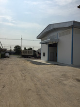Located in the same area - Lat Lum Kaeo, Pathum Thani