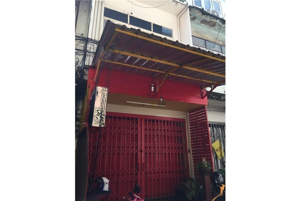 For Sale 3 Beds Townhouse in Khlong Toei, Bangkok, Thailand | Ref. TH-BPZCXJTS