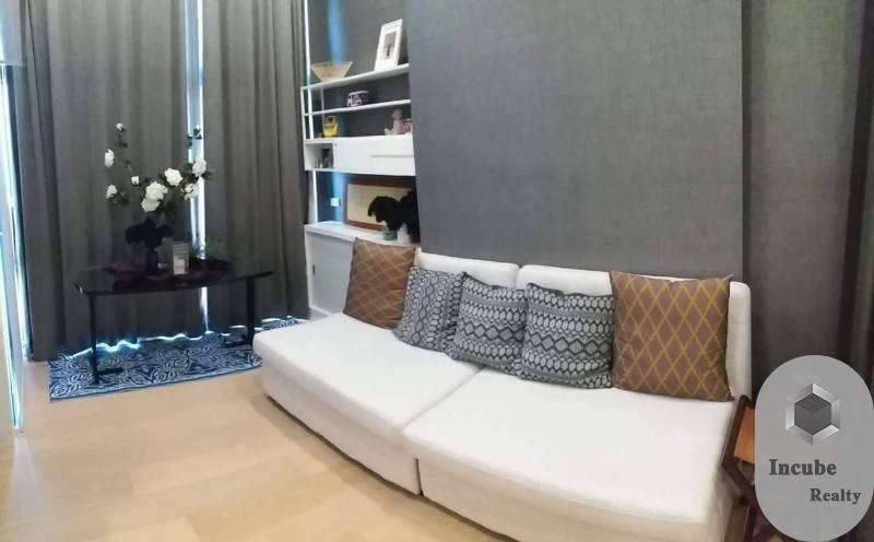 Chewathai Residence Asoke - Продажа или аренда: Кондо c 1 спальней возле станции MRT Phraram Kao 9, Bangkok, Таиланд | Ref. TH-KEUMQLGA
