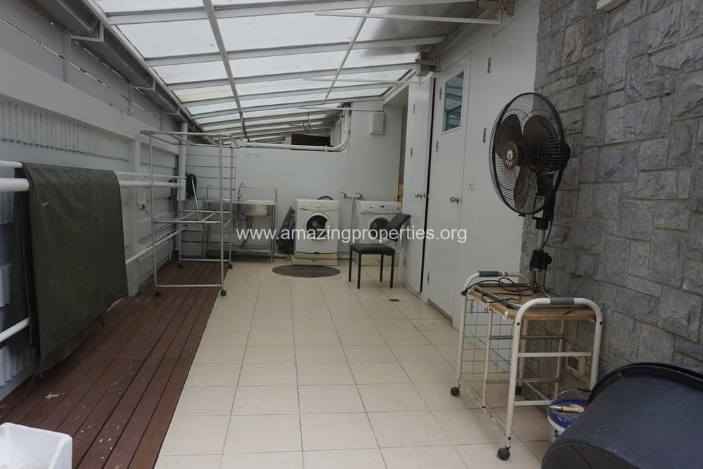 В аренду: Дом с 4 спальнями в районе Khlong Toei, Bangkok, Таиланд | Ref. TH-NYUEZVLZ