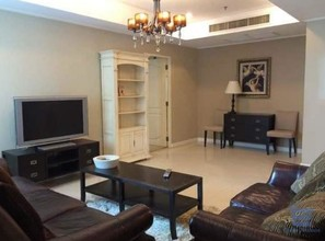 Located in the same area - La Vie En Rose Place