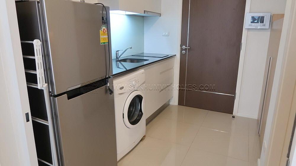 15 Sukhumvit Residences - For Rent 1 Bed Condo Near BTS Nana, Bangkok, Thailand | Ref. TH-ZXLVUBVO