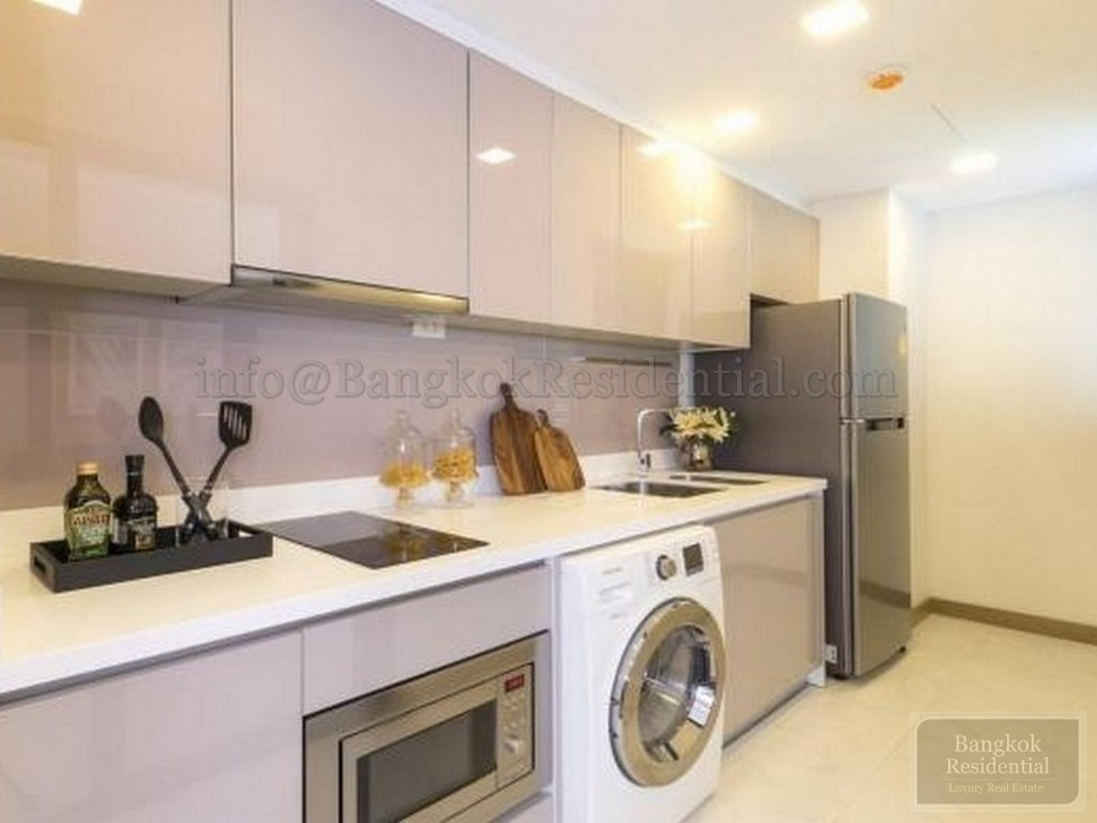 Dazzle Sukhumvit 7 - Продажа или аренда: Кондо с 2 спальнями возле станции BTS Nana, Bangkok, Таиланд | Ref. TH-RVMGSQYA