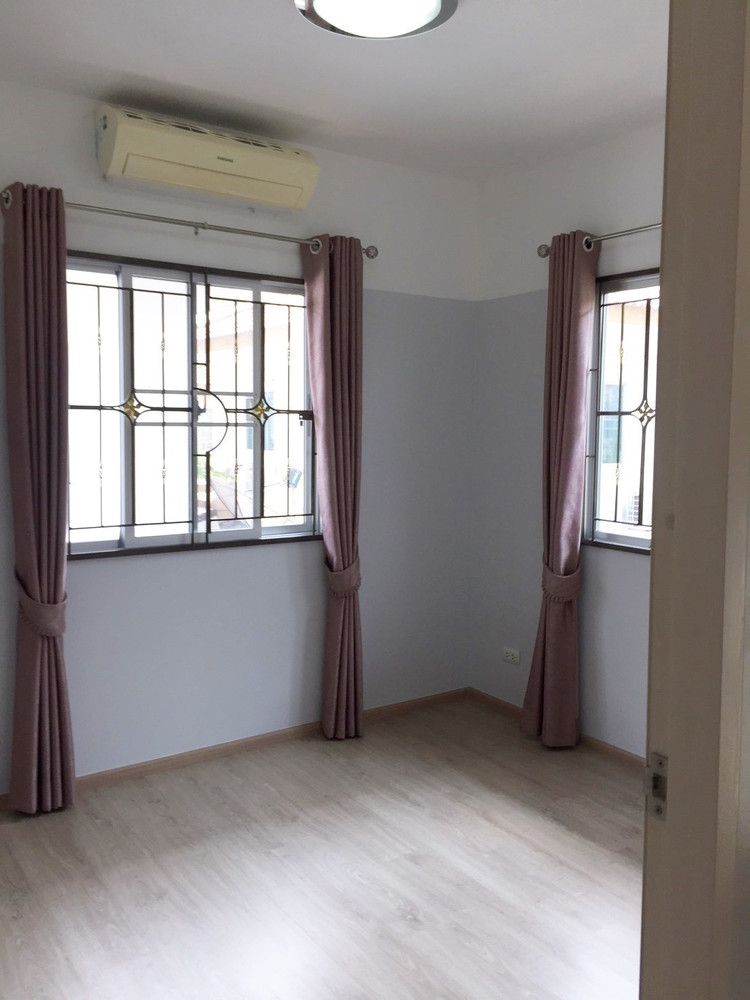 For Sale 3 Beds House in Bang Phli, Samut Prakan, Thailand | Ref. TH-GVGFEWHL