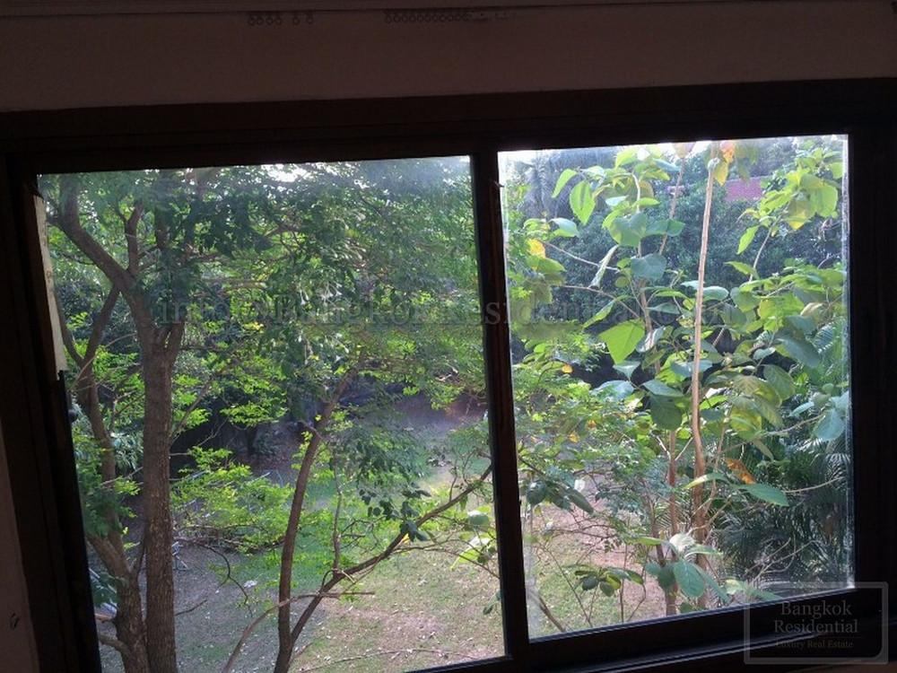 ให้เช่า ทาวน์เฮ้าส์ 6 ห้องนอน สาทร กรุงเทพฯ | Ref. TH-OZWXDLZG