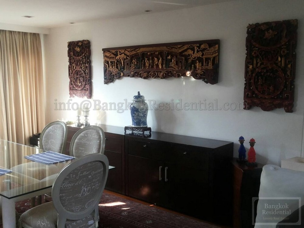 For Rent 3 Beds Townhouse in Sathon, Bangkok, Thailand | Ref. TH-VSZVNYBR