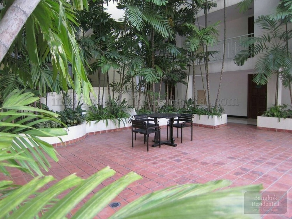 Raintree Village Apartment - For Rent 3 Beds Condo Near BTS Phrom Phong, Bangkok, Thailand | Ref. TH-EMVPTAWS
