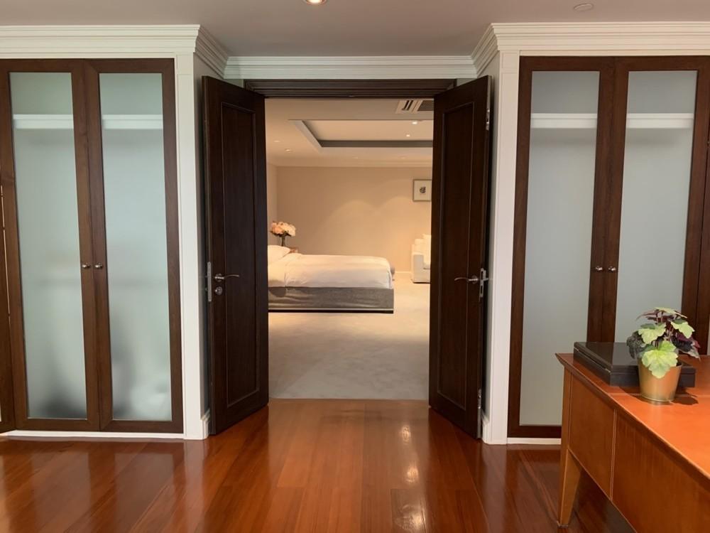 Las Colinas - For Rent 5 Beds Condo Near MRT Sukhumvit, Bangkok, Thailand | Ref. TH-VRPBJWND