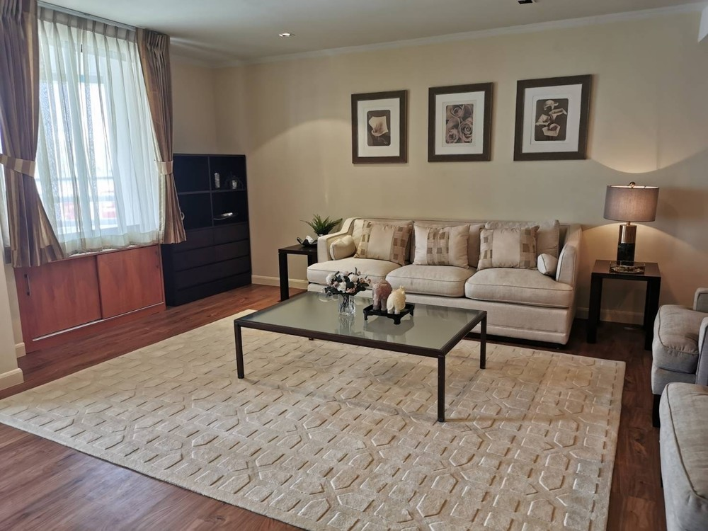 Las Colinas - For Sale or Rent 2 Beds Condo Near MRT Sukhumvit, Bangkok, Thailand | Ref. TH-YCMCWUUB