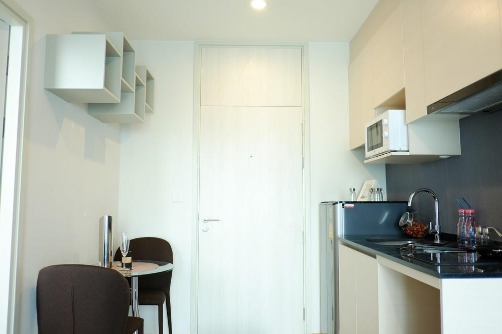 โนเบิล รีวอลฟ์ รัชดา - ให้เช่า คอนโด 1 ห้องนอน ติด MRT ศูนย์วัฒนธรรมแห่งประเทศไทย   Ref. TH-ONQRCKOV