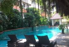 For Sale or Rent 5 Beds コンド Near MRT Phetchaburi, Bangkok, Thailand