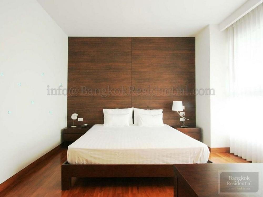 Chodtayakorn - В аренду: Кондо с 3 спальнями возле станции BTS Asok, Bangkok, Таиланд   Ref. TH-HURQZGZJ