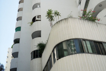 For Sale or Rent 4 Beds コンド Near BTS Phrom Phong, Bangkok, Thailand