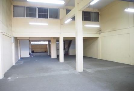 В аренду: Шопхаус с 4 спальнями в районе Bang Na, Bangkok, Таиланд