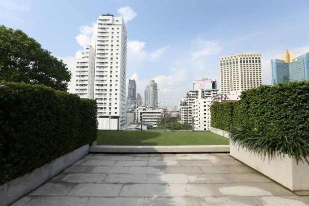 Circle Sukhumvit 12 - For Sale 2 Beds Condo Near BTS Asok, Bangkok, Thailand   Ref. TH-GDNWKWJJ