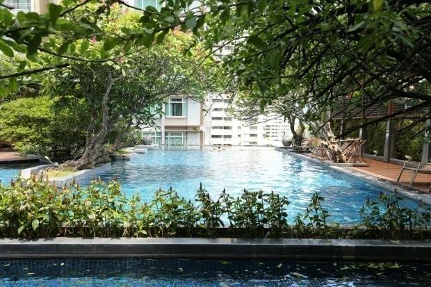 Circle Condominium - For Sale 1 Bed Condo in Watthana, Bangkok, Thailand   Ref. TH-WWYYYDRQ