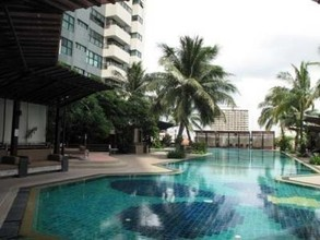 Located in the same area - Sathorn Gardens