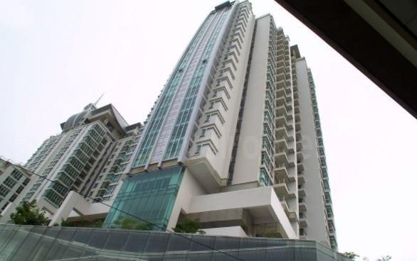 Nusasiri Grand - For Sale or Rent 3 Beds Condo Near BTS Ekkamai, Bangkok, Thailand | Ref. TH-LEZQGLBL