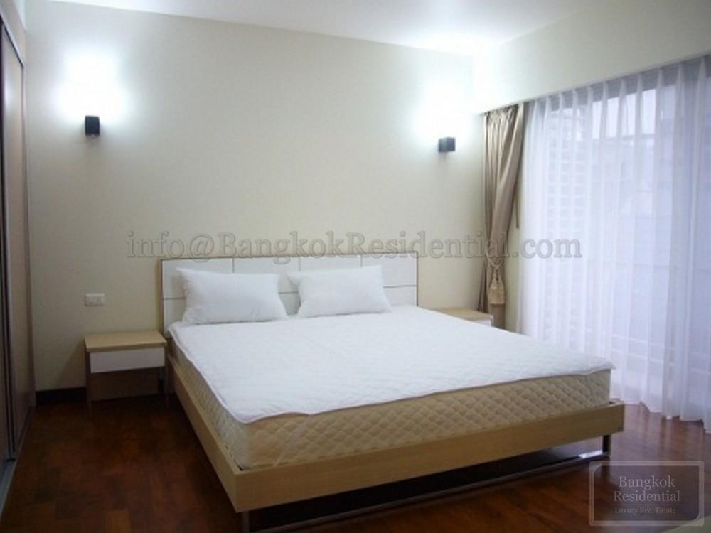 บ้านสุขุมวิท 14 - ให้เช่า คอนโด 3 ห้องนอน ติด BTS อโศก | Ref. TH-BZJKDMOV